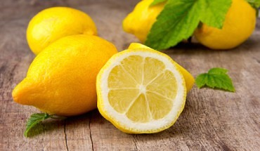 11 Benefits of Lemon Water - Kick-Start Your Day with Lemon