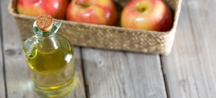 How to Use Apple Cider Vinegar for Dandruff Treatment