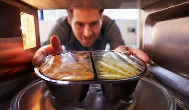 Microwave Health Risks - 7 Reasons to Stop Using Your Microwave Oven Now