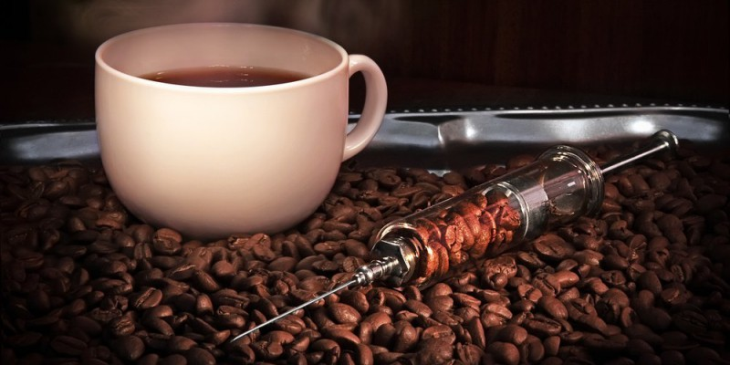 coffe effects Higher habitual coffee consumption was associated with higher insulin sensitivity (1) and a lower risk for type 2 diabetes (2-6) in diverse populations in contrast, short-term metabolic studies showed that caffeine intake can acutely lower insulin sensitivity (7-9) and increase glucose.