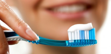 Why It's Time To Switch To Natural Toothpaste